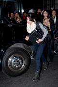 th 460872983 SG3 122 1043lo Selena Gomez, leaving her hotel in Manhattan   31/12/11