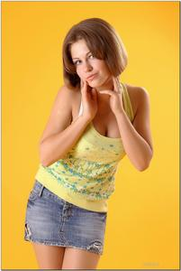 http://img220.imagevenue.com/loc1162/th_279234395_tduid300163_sandrinya_model_denimmini_teenmodeling_tv_122_122_1162lo.jpg