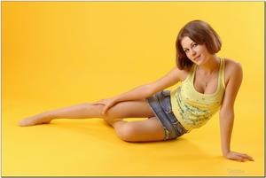 http://img220.imagevenue.com/loc1165/th_279204409_tduid300163_sandrinya_model_denimmini_teenmodeling_tv_114_122_1165lo.jpg
