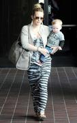 http://img220.imagevenue.com/loc1184/th_868754407_Hilary_Duff_takes_her_son_to_Babies_First_Class4_122_1184lo.jpg
