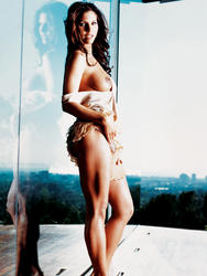 http://img220.imagevenue.com/loc1185/th_006214523_charisma_carpenter_topless_playboy_shoot_06_123_1185lo.jpg