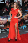 http://img220.imagevenue.com/loc866/th_537635065_AmyWillerton_olympus_has_fallen_uk_prem_036_122_866lo.jpg