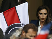 All the 2013 pix here Th_956431977_PSG_Brest_Victoria_Beckham_full_diapos_large_122_914lo
